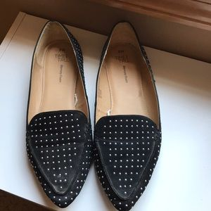 Accented Pointed Slip On Loafers